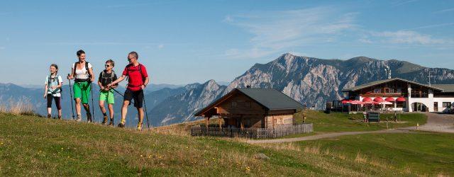 Das Dreiländereck bildet den Schnittpunkt dreier Länder: Kärnten (Österreich) im Norden, Slowenien im Süd-Osten und Friaul (Italien) im Süd-Westen. Die Lage und der Rundumblick auf die imposantesten Berge der Region, vom Dobratsch im Norden u…