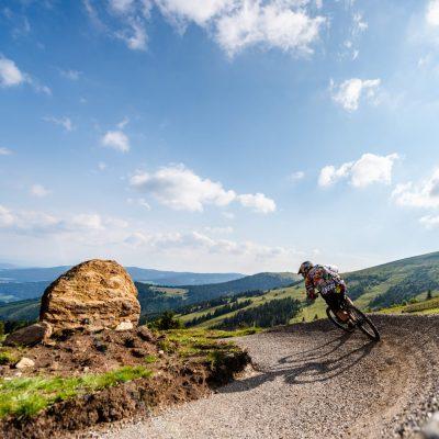 Prächtige Almen, herrliches Berg-Panorama und zwei lässige Flow Trails