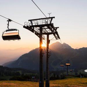 Sonnenaufgangsstimmung, von der Madritschenhöhe aus, mit Blick auf den Gartnerkofel