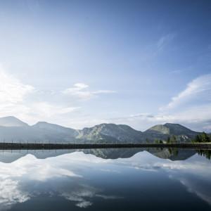Bergidylle am Speichersee mit Blick auf den Biosphärenpark Nockberge