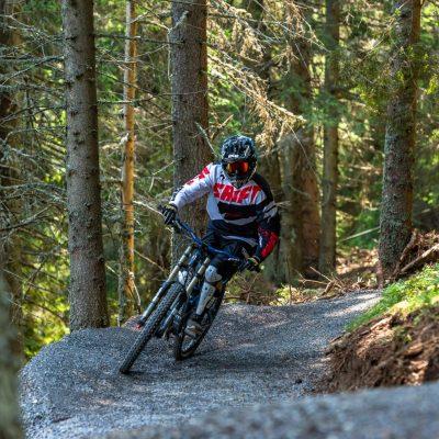 Die Streckenführung der Flow Trails ist abwechslungsreich - teils über Almen, teils durch den Wald