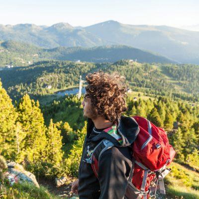 Ausblick auf die Nockberge und auf Bergseen (im Bild Turracher See und Schwarzsee) verspricht die Turracher Höhe