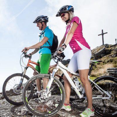 Der Bike-Geheimtipp: Vom Drauradweg einen Abstecher auf den Goldeck Gipfel und zurück über die Goldeck Panoramastrasse auf den Drauradweg
