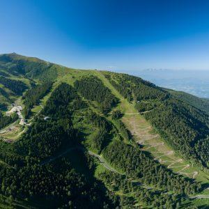 Koralpe - Blick auf das Berg-Paradies mit der Burgstallofenbahn, die Wanderer und Biker bequem auf den Berg bringt