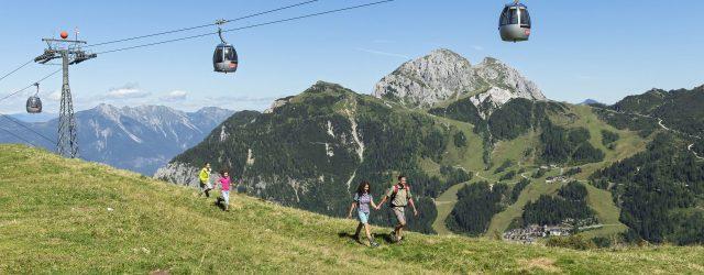"""Bergerlebnisse der Extraklasse, in enormer Vielfalt, gibt es oben am Nassfeld zu genießen. """"Hinauf"""" geht es einfach und bequem mit den drei Sommerbergbahnen, der Kabinenbahn Millennium-Express, der Madritschen Sesselbahn und der G…"""