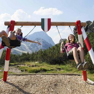 Nassfeld - Schaukeln in zwei Ländern - am Dolce Vita Weg, direkt an der Landesgrenze zwischen Österreich und Italien