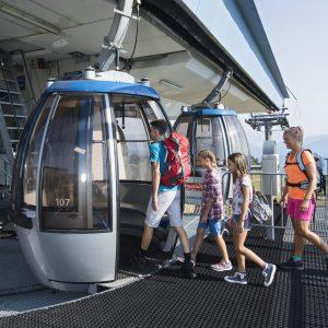 Nassfeld - der Millennium Express (im Bild) ist die Seilbahn vom Tal bis hinauf auf die Madritsche. Weitere Sommerbergbahnen sind die Gartnerkofelbahn und die Madritschenbahn
