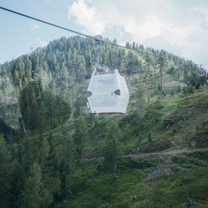 Per Seilbahn geht es auf das Goldeck | Foto: Goldeck Bergbahnen/Sam Strauss