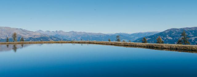 """Ins Ausflugs- und Wandergebiet Goldeck geht es vom Tal (547 m) aus mit der modernen Umlaufbahn """"Talbahn Goldeck"""" hinauf auf 1.780 m. BergsommerGEFÜHL Oben am Goldeck – dem Hausberg von Spittal an der Drau – erwarten di…"""